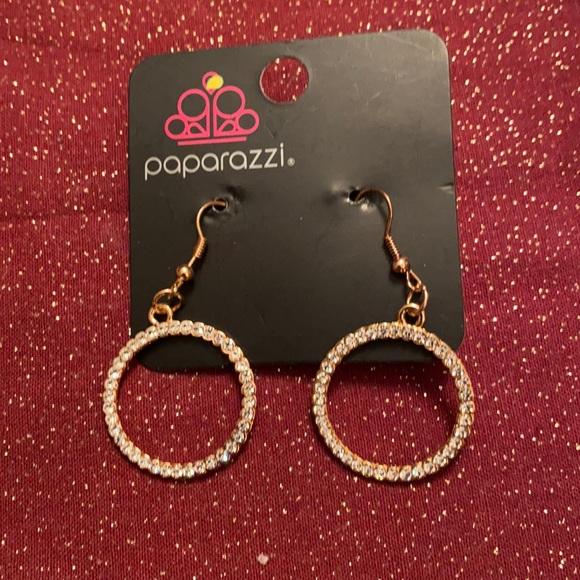 🆑3 for $10🆑 paparazzi drop earrings